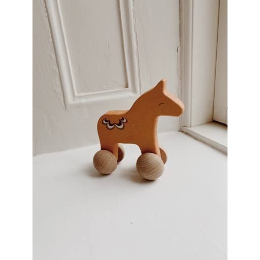 "Konges Sløjd - Roll-Spielzeug ""Rolling Horse"""